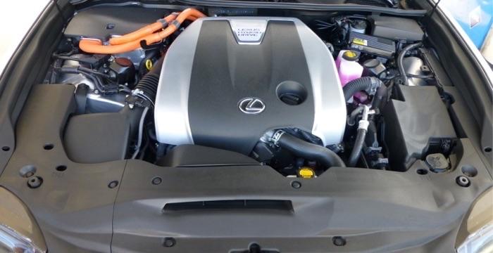 Lexus GS 450h 05 Driving-Dutchman