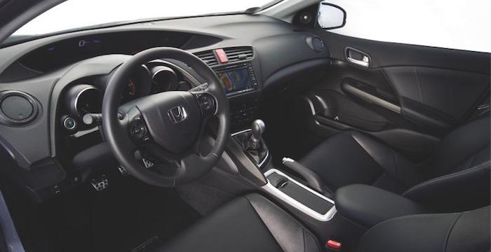 Honda-Civic-1.6-i-DTEC-interieur