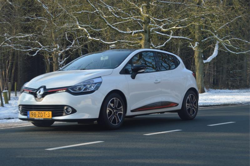 Renault-Clio_11