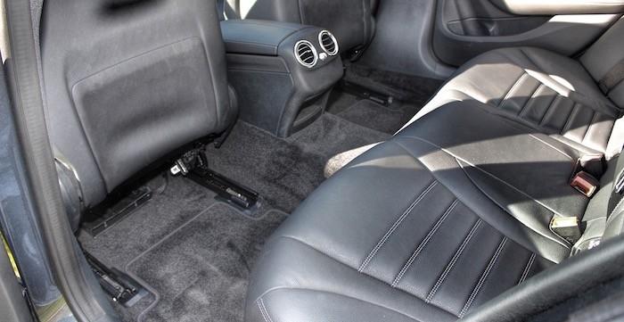 Mercedes-Benz-C-350-e-DrivingDutchman-Achterin