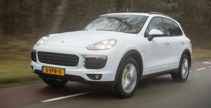 Autotest-Porsche-Cayenne-S-E-Hybrid-DrivingDutchman-rijfoto