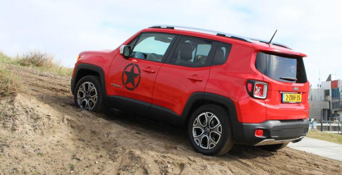 Jeep-Renegade-DrivingDutchman-achter