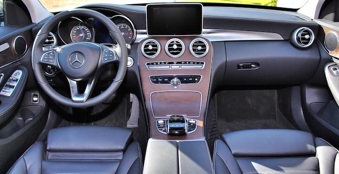 Mercedes-Benz-C-350-e-DrivingDutchman-Dashboard