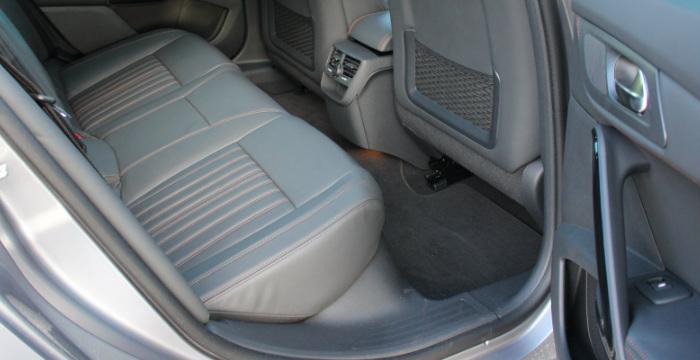 Peugeot-508-RXH-DrivingDutchman-achterin