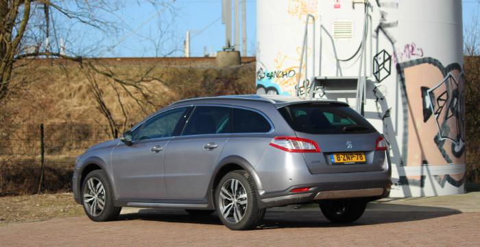 Peugeot-508-RXH-modeljaar-2015-DrivingDutchman-achterzijde