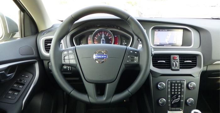 Volvo-V40_T3_Kinetic_5