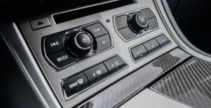 driving-dutchman-jaguar-xf-r-s-sportbrake-interior-multimedia