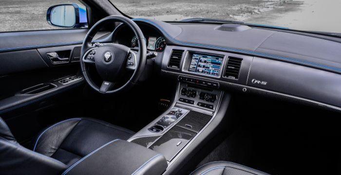driving-dutchman-jaguar-xf-r-s-sportbrake-interior