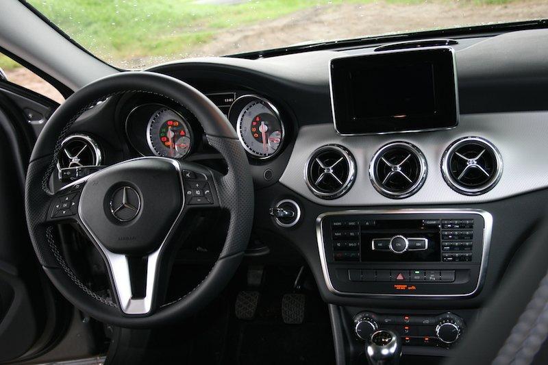Autotest-Mercedes-Benz-GLA-200CDI-DrivingDutchman-1