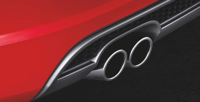 Door-de-diffuser-oogt-de-Audi-A3-Sportback-sportief