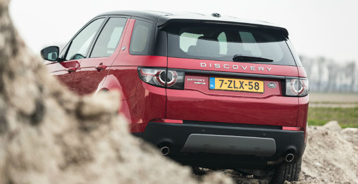 Landrover-discovery-sport-1