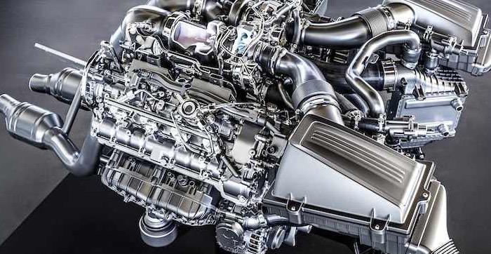 Mercedes-Benz-4-liter-V8-biturbomotor-AMG-GT
