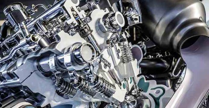 Mercedes-Benz-4-liter-V8-biturbomotor-AMG-G_1