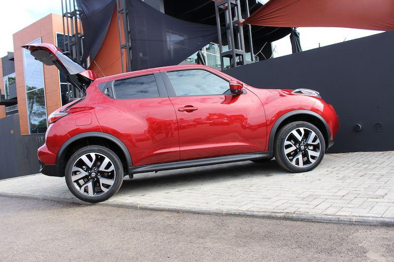 Rijimpressie-Nissan-Juke-1.2-DIGT-DrivingDutchman-zijkant