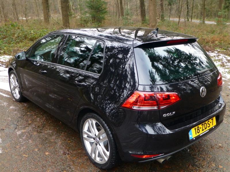 Volkswagen-Golf_01