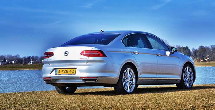 Volkswagen-Passat-Back