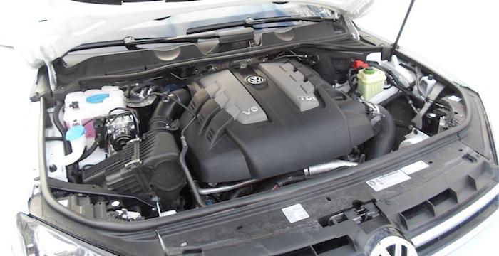 Volkswagen-Touareg-3.0-V6-TDI-R-Line-Edition-Driving-Dutchman-4