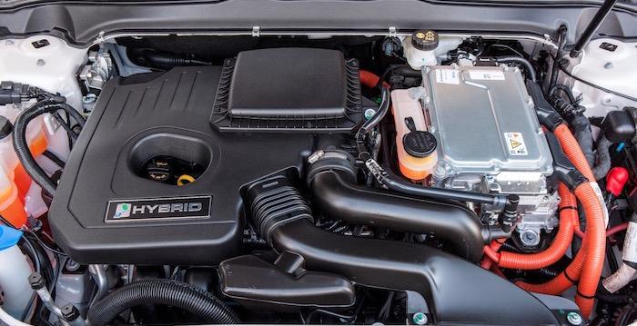 De voor- en nadelen van de Ford Mondeo Hybrid