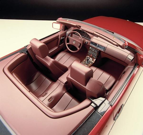 Mercedes-Benz SL al 25 jaar tijdloos Driving-Dutchman