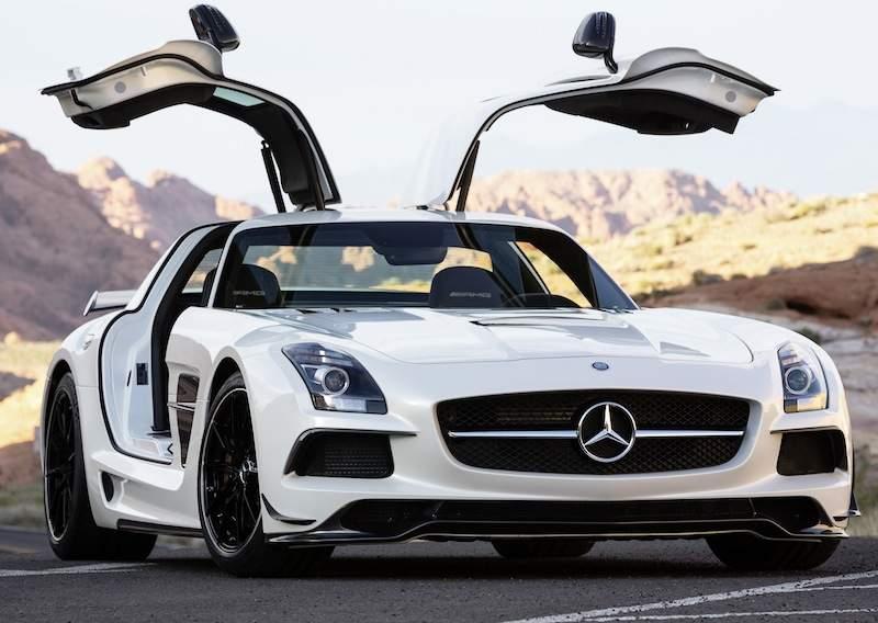 Mercedes-Benz-sociaalste-automerk-op-Facebook
