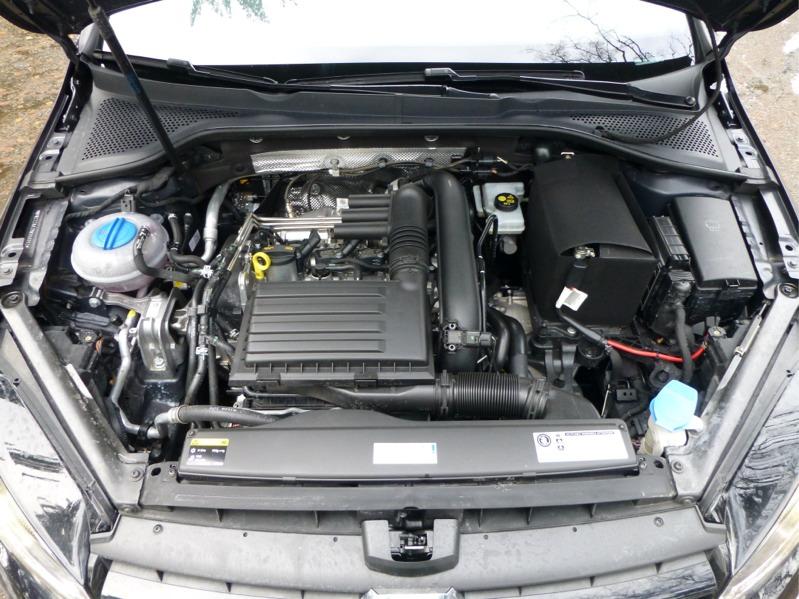 Volkswagen-Golf_10