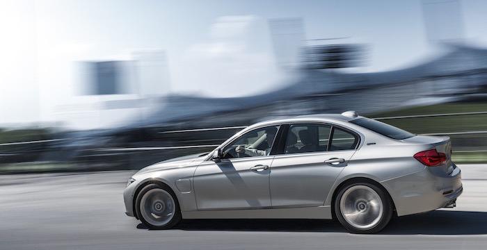 De zeven meest indrukwekkende hybride sportwagens van 2015 BMW ActiveHybrid 3 Driving-Dutchman