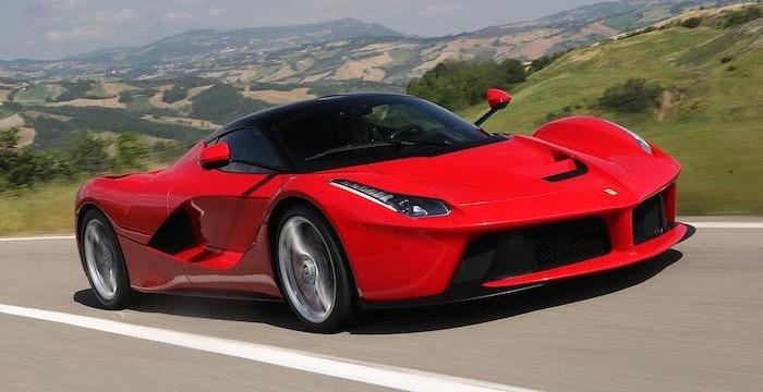 De zeven meest indrukwekkende hybride sportwagens van 2015 Ferrari LaFerrari Driving-Dutchman