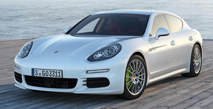 De zeven meest indrukwekkende hybride sportwagens van 2015 Porsche Panamera S E-Hybrid Driving-Dutchman