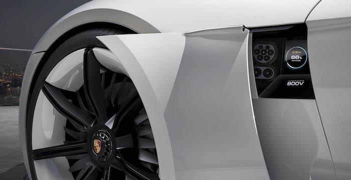 Elektrische Porsche Mission E komt met oogbewegingen en gebaren 500 kilometer ver Driving-Dutchman