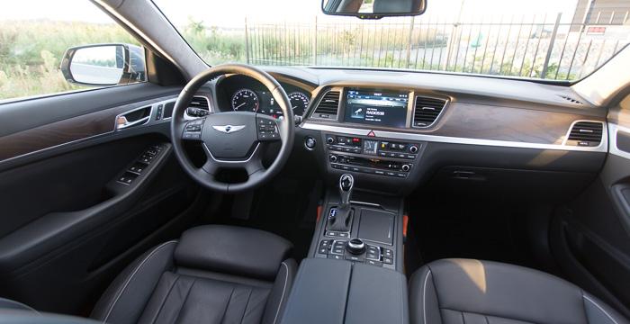 Hyundai's guilty pleasure, de Genesis 3.8 V6 HTRAC