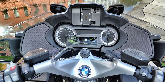De BMW R 1200 RT, een trouwe en luxe vriend 3