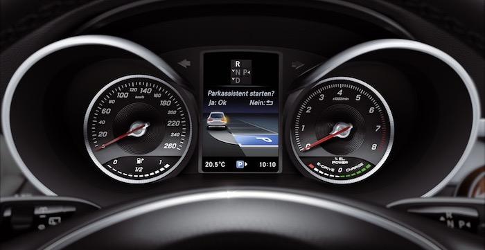 Mercedes-Benz GLC 250 4MATIC Driving-Dutchman