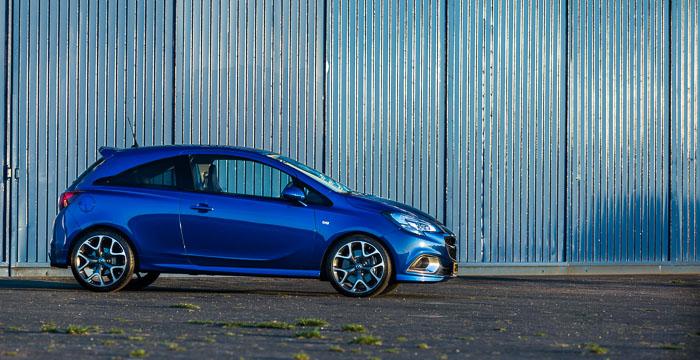 Opel Corsa OPC het mooiste meisje van de klas_3