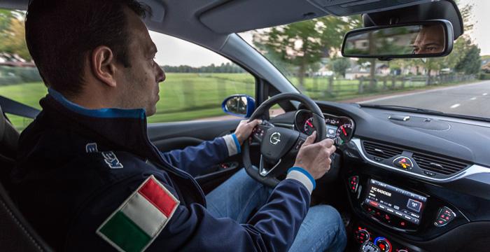 Opel Corsa OPC het mooiste meisje van de klas_6