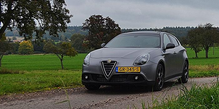 De uitdagende en charmante Alfa Romeo Giulietta QV 1