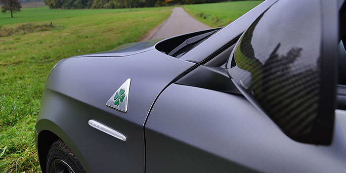 De uitdagende en charmante Alfa Romeo Giulietta QV 4