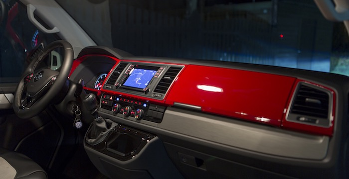 Volkswagen Transporter Multivan Driving-Dutchman