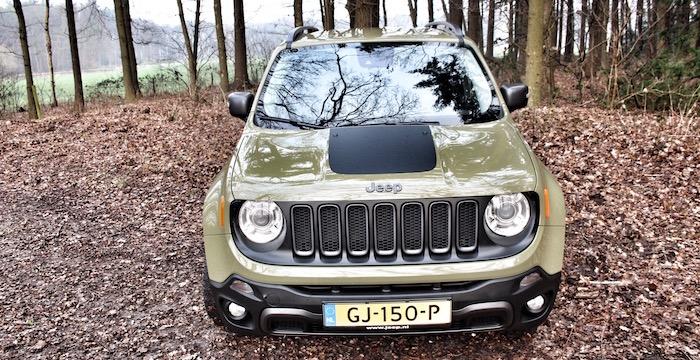 Jeep Renegade Trailhawk Driving-Dutchman front hoog