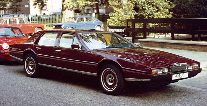 De 5 lelijkste auto's ooit 2