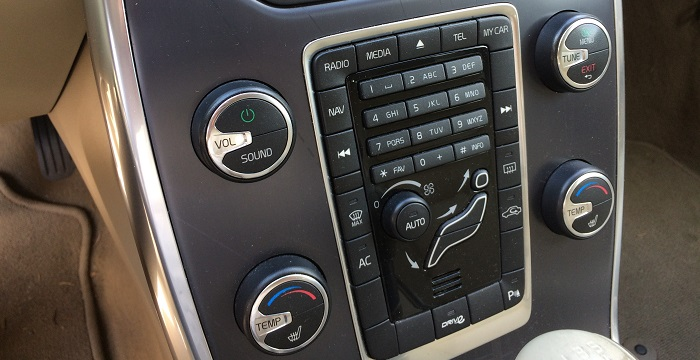 Volvo-V70-Dashboard-Schoon