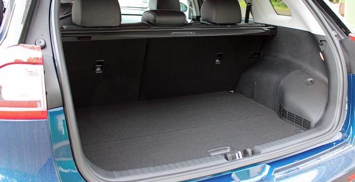 Kia Niro crossover bagageruimte Driving-Dutchman