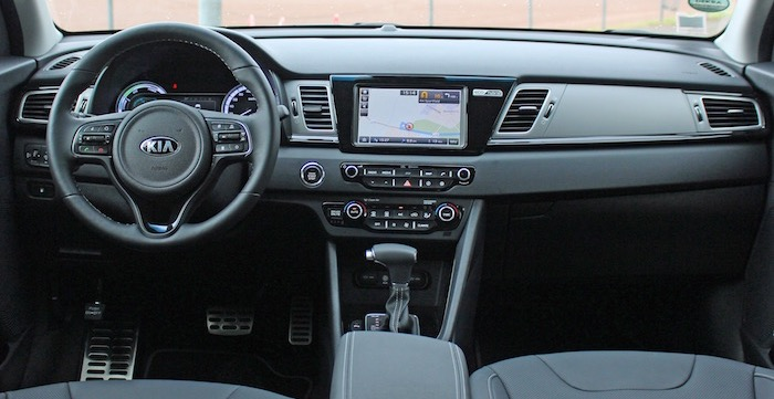 Kia Niro crossover interieur Driving-Dutchman