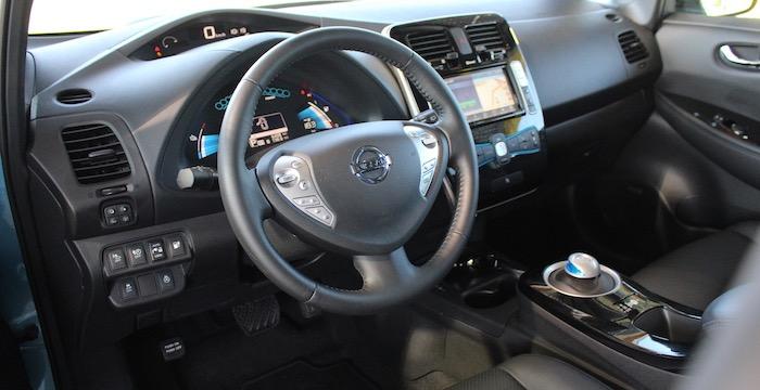 Nissan Leaf Driving-Dutchman interieur