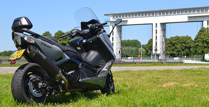De Yamaha TMAX, een echte motor 5