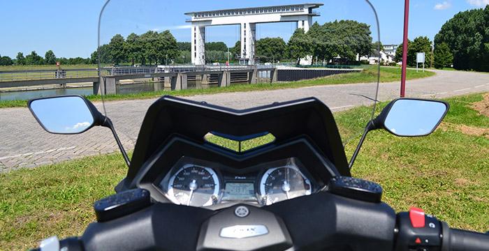 De Yamaha TMAX, een echte motor 7