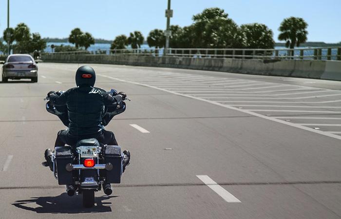 6 Belangrijke tips waardoor motorrijden nóg veiliger én leuker wordt Driving-Dutchman