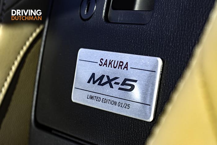 Mazda MX-5 Sakura, Japans genieten 1