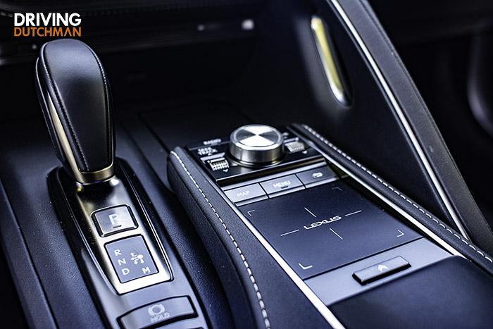 Rijtest Lexus LC 500